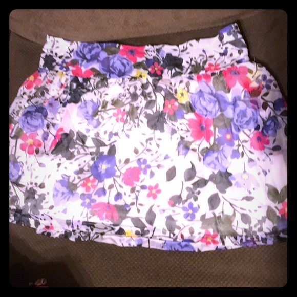 Dream Out Loud by Selena Gomez Dresses & Skirts - NWOT Dream Out Loud by Selena Gomez Chiffon Skirt